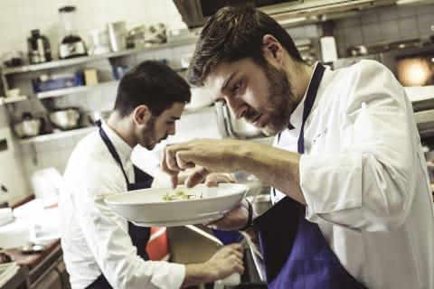 Le chef Xavier Jarry en cuisine
