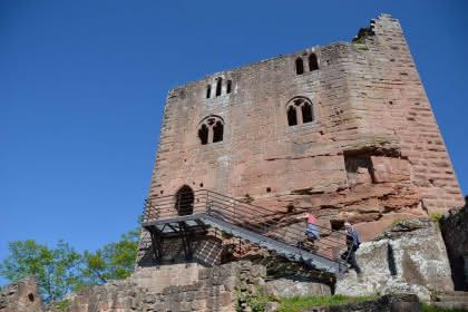 Château du Nouveau Windstein, ruines datant du XIVème siècle, Alsace