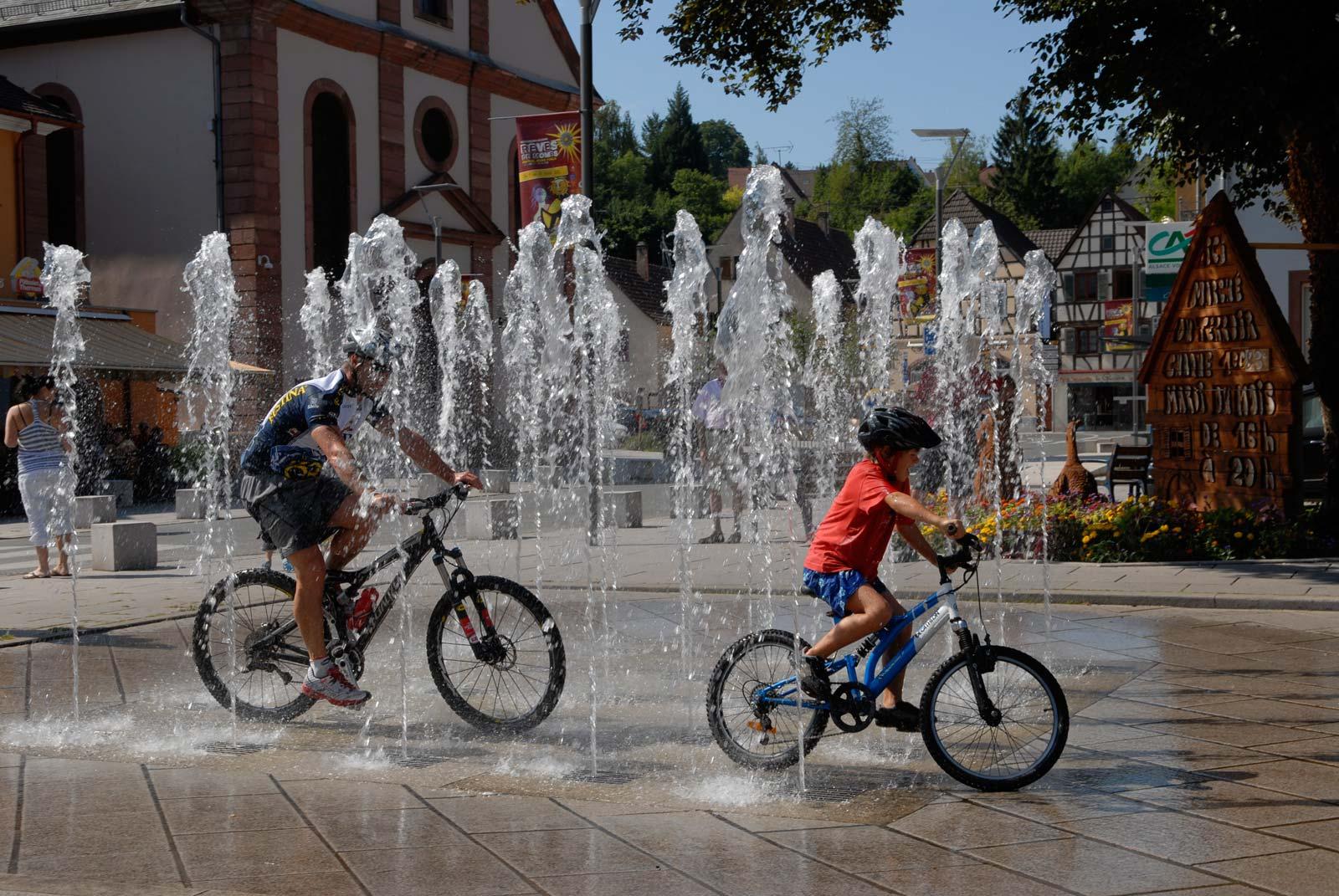 Promenade à vélo au cœur de la cité thermale