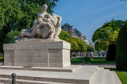 Monument place de la République - Philippe de Rexel