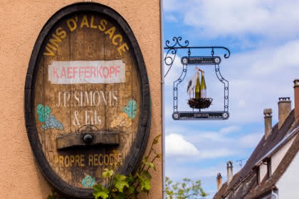 apps.tourisme-alsace.info/photos/kaysersberg/photos/ammerschwhir-cave-simonis-jean-paul-et-fils-visite-degustation.jpg