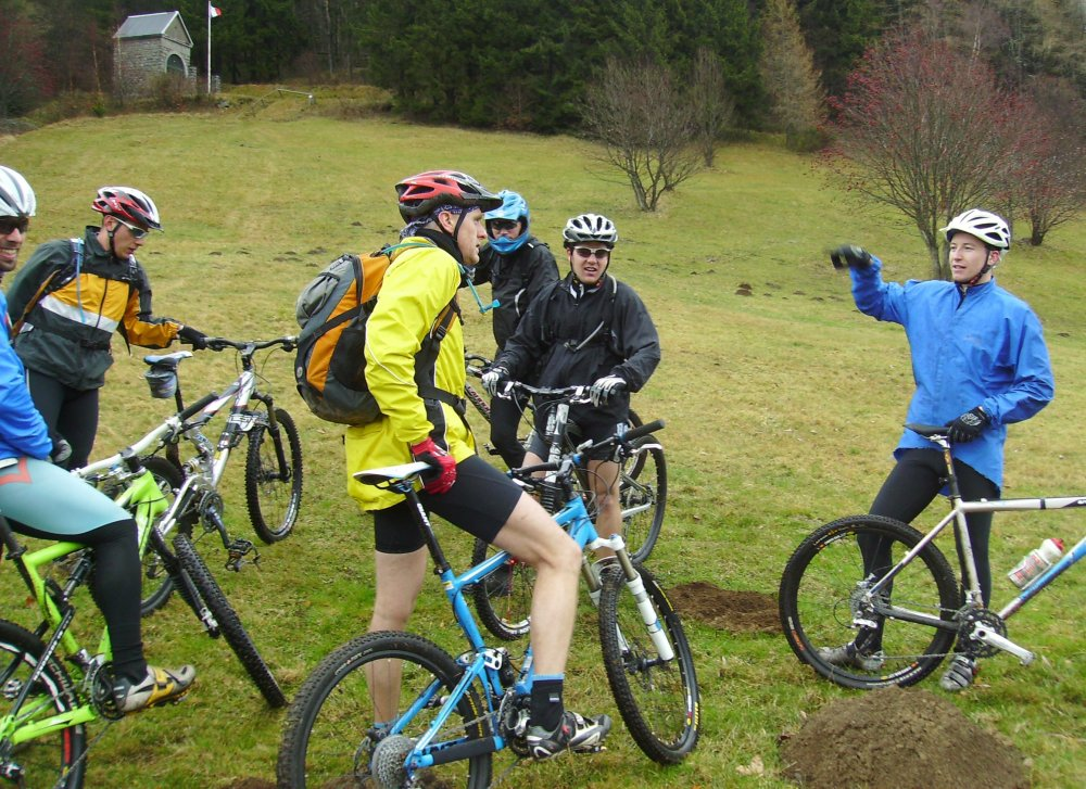 Mountainbiking at the chapel of Sudel
