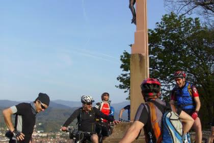 Mountainbiking around the cross of mission