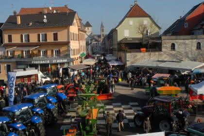 Altkirch, noire de monde à la Ste-Catherine.Photo de Jean-Paul Girard