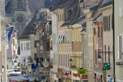 Altkirch, noire de monde à la Ste-Catherine. Photo de Jean-Paul Girard