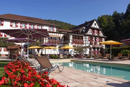 Restaurant Au Cheval Blanc, Niedersteinbach, Alsace, Vue extérieure