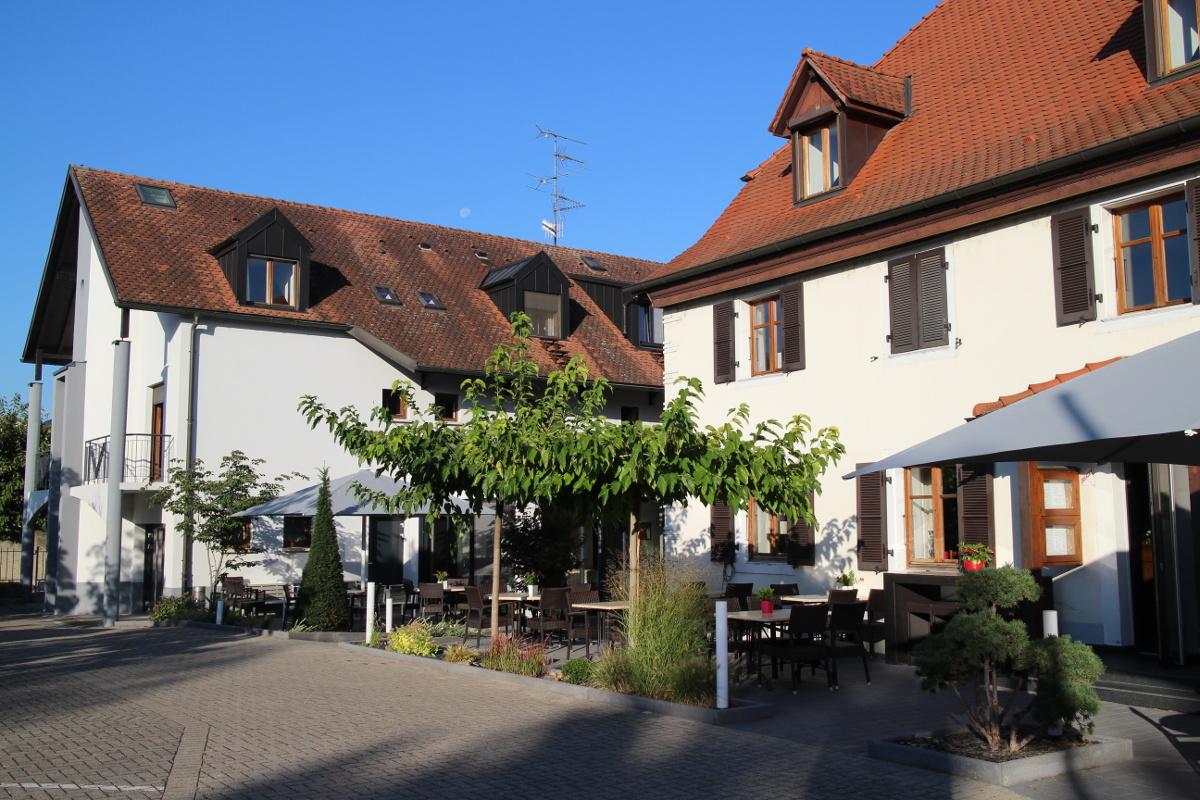 © Hôtel-restaurant Lion Rouge