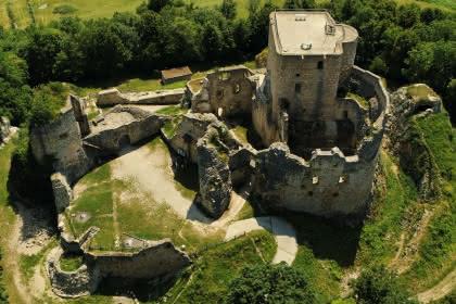 Kurze Wandertour rund um Burg Landskron
