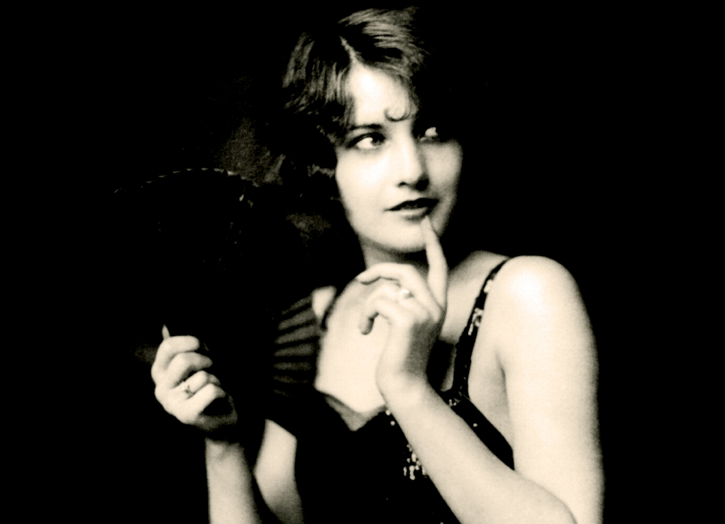 ©RiveRhin_Barbara_Stanwyck,_Ziegfeld_girl,_by_Alfred_Cheney_Johnston,_ca._1924