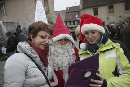 Passage du Père Noël au Marché de Noël de Rouffach