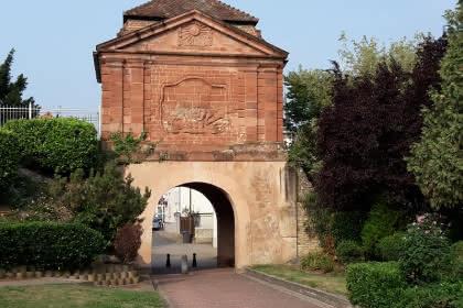 Porte de Landau façade nord
