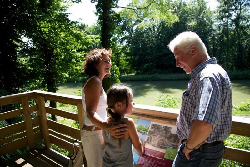 Vue sur le canal au belvédère  copyright : © Adéan / Ora